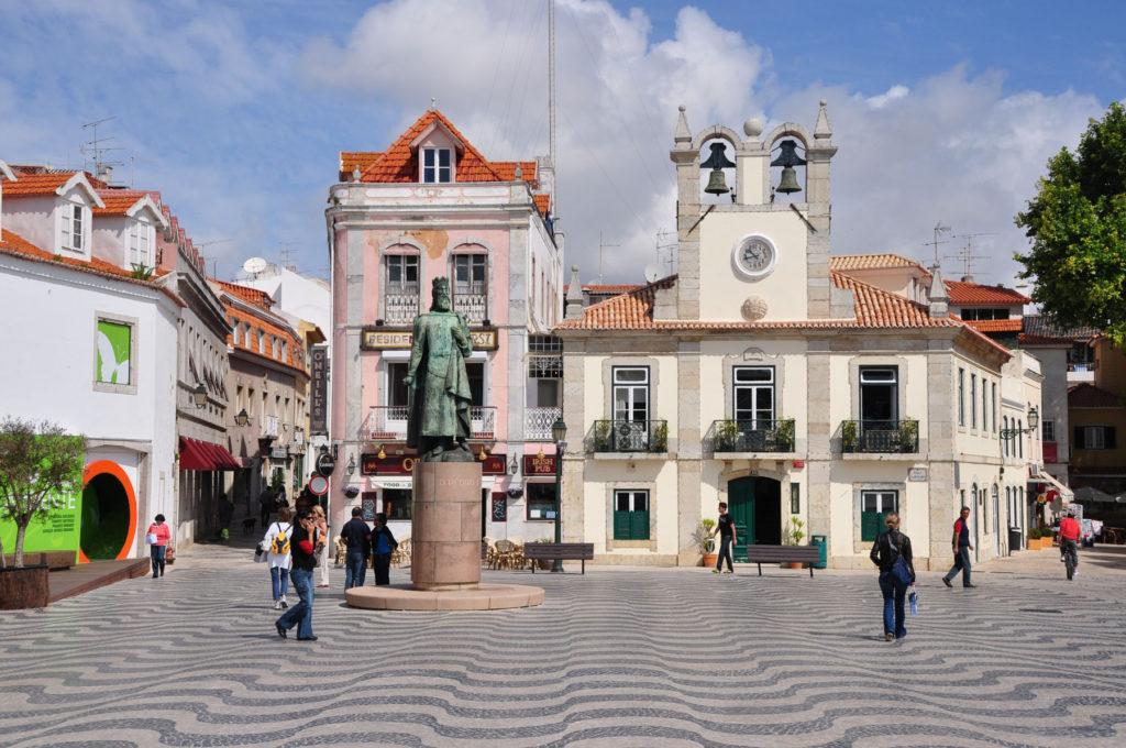Кашкайш - город-курорт в Португалии