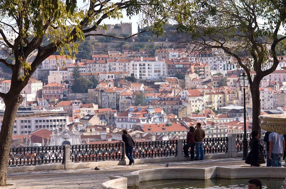 Погода осенью в Лиссабоне