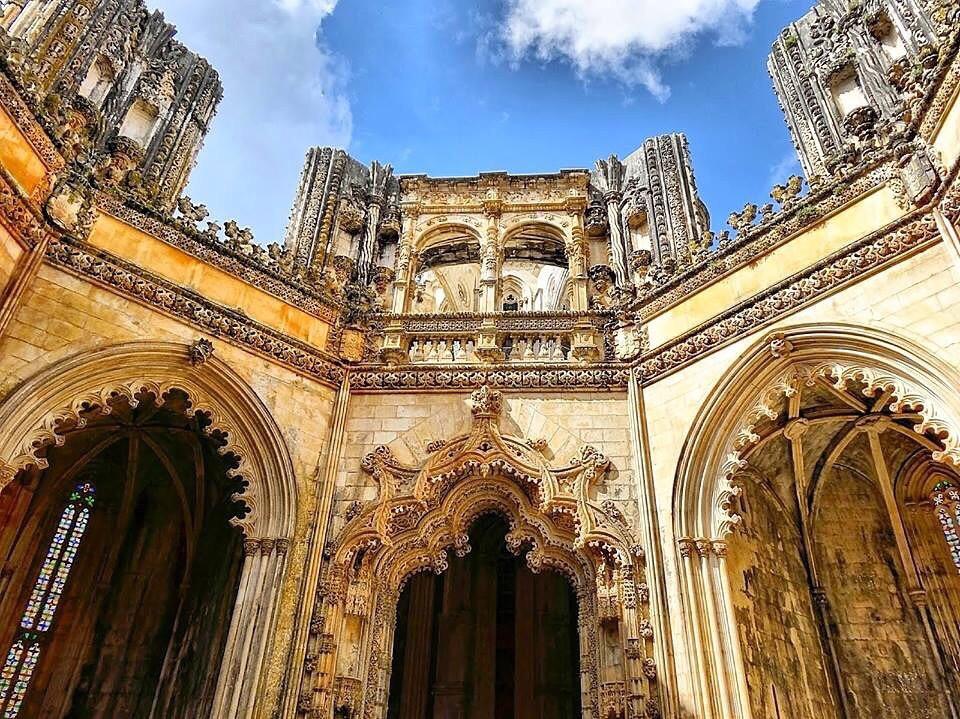 Экскурсия по Монастырю в городе Баталья