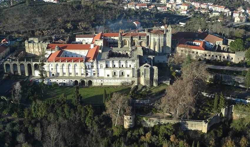Экскурсия в крепости Томар в Португалии