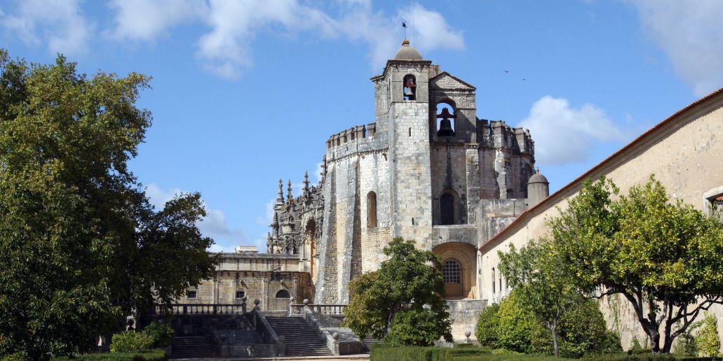 Экскурсия в города Томар, Баталья, Алкубаса, Обидуш. Средние века в Португалии
