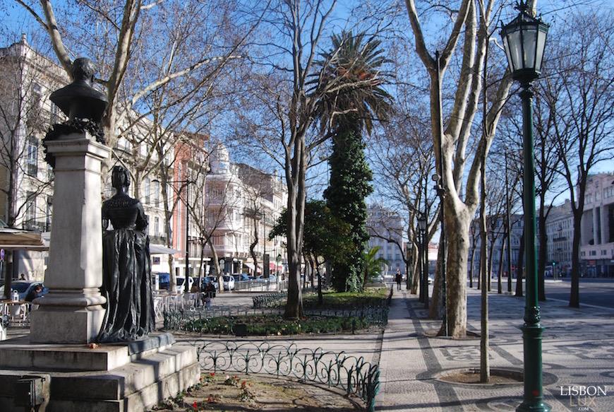 "Лиссабон, главный проспект ""Авенида да Либердаде"""