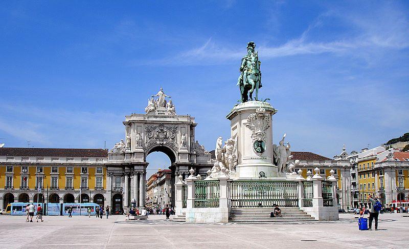 Лиссабон, площадь Коммерции