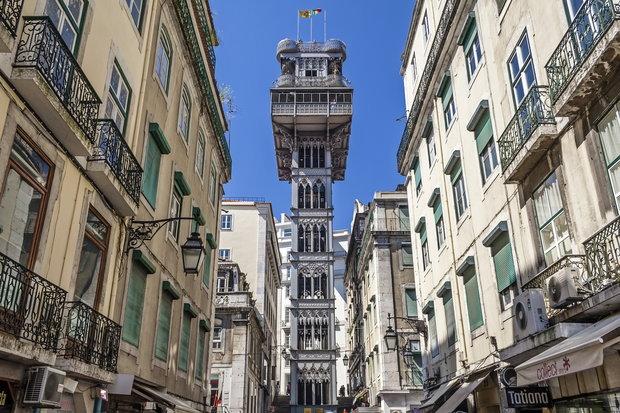 Лиссабон, лифт и смотровая площадка Санта Жушта