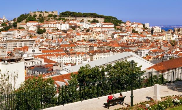 Лиссабон со смотровой площадки Сан Педру де Алкантара