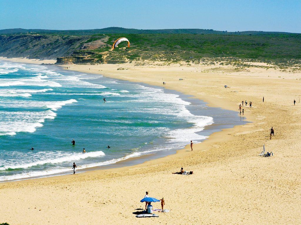 Отдых в Португалии на пляжах Алгарве
