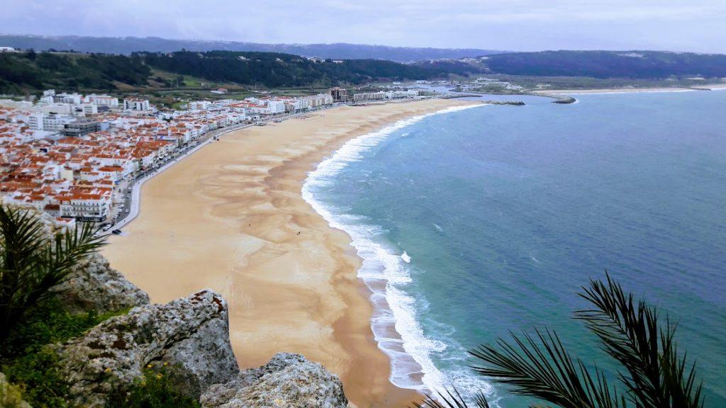 Город Назаре в Португалии, новый город