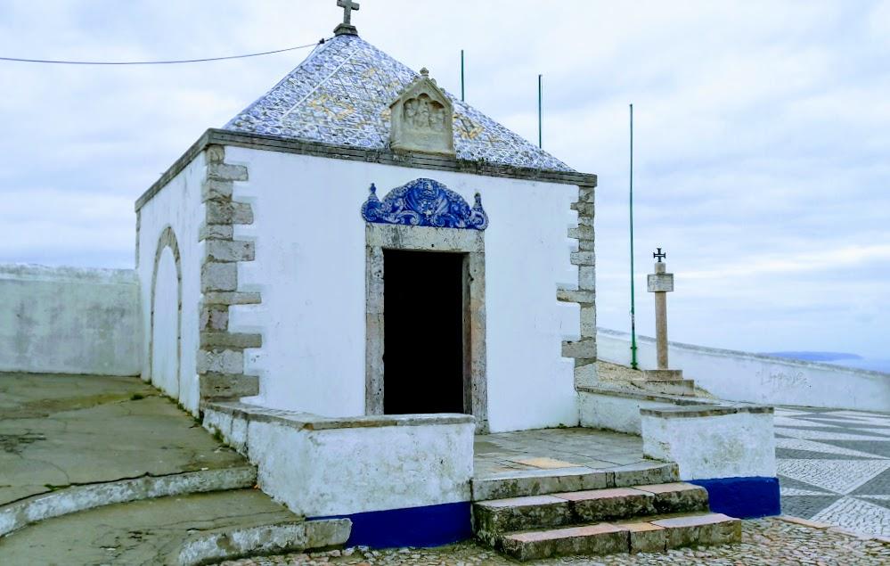 Португалия, часовня в городе Назаре
