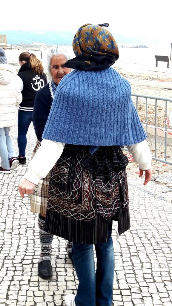Женщины города Назаре, Португалия