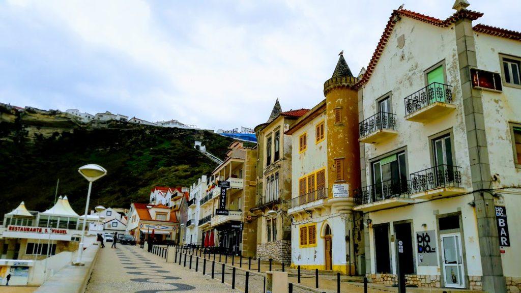 Португалия, город Назаре и его нижняя часть