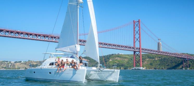 Прогулка на яхте в Португалии. Рыбалка на океане