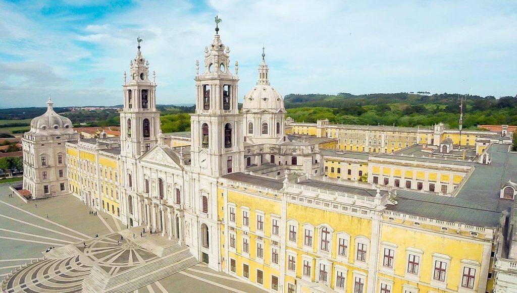 Португалия, дворец Мафра
