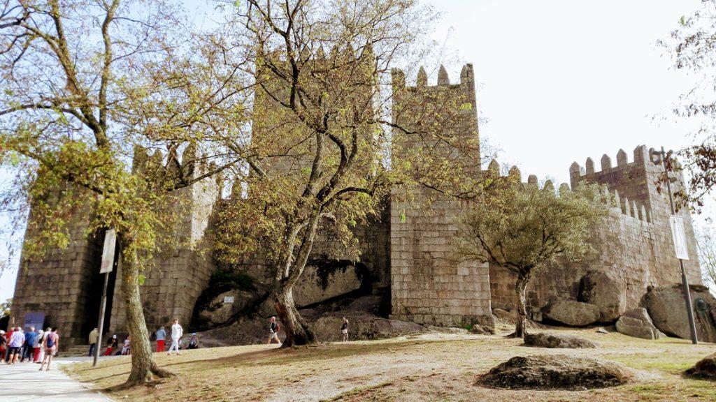 Экскурсии в португальском городе Гимарайнш