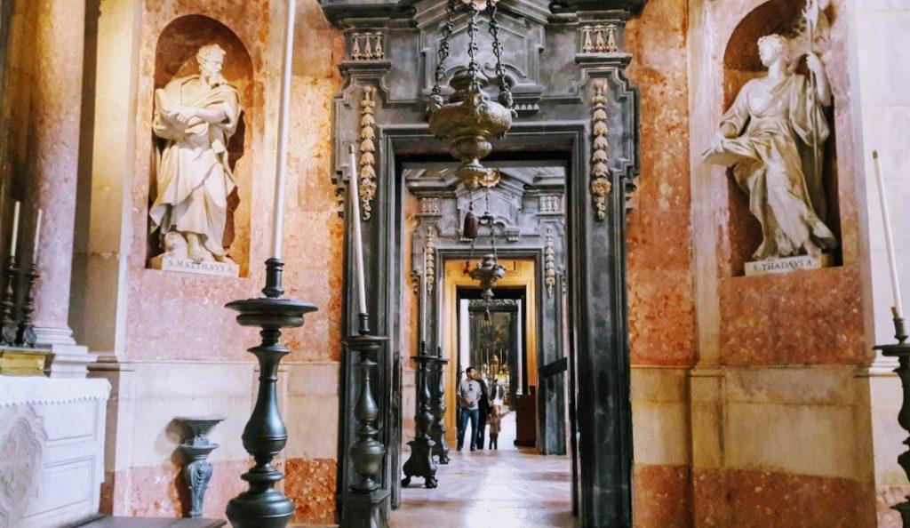 Португалия, в базилике города Мафра