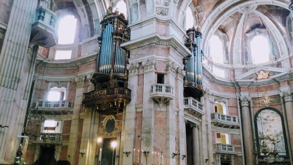 Органы в базилике Мафры, Португалия