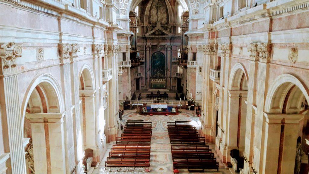 Португалия, церковь в городе Мафра