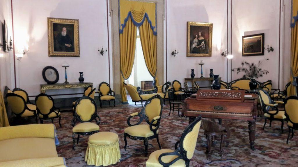 Португалия, Королевский дворец в городе Мафра