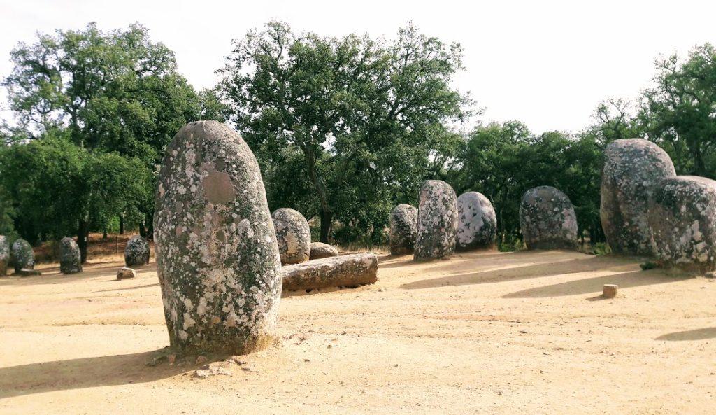 Кромлех Алмендреш в окрестностях Эворы