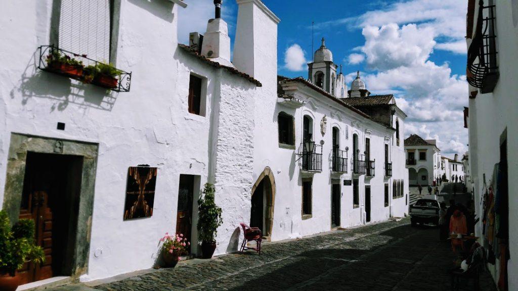 Деревня Мосараш внутри крепостных стен